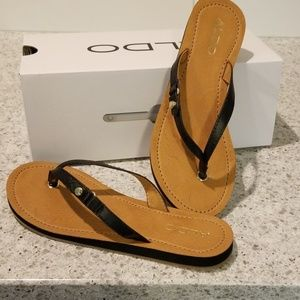 Aldo black flip flops size 7 new